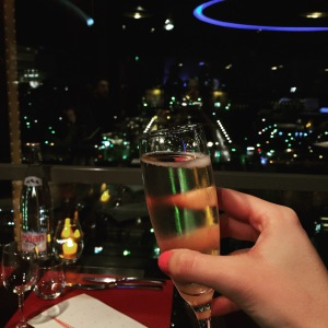 Copa de champagne de bienvenida.
